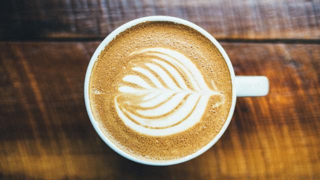 Diákmunka kávéüzletben